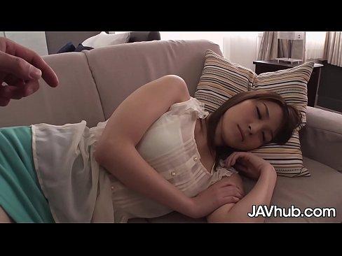 ลักหลับพี่สาวคนสวยนมโคตรใหญ่แต่พอเธอตื่นกลับโชว์ลีลาเด็ดสะงั้น